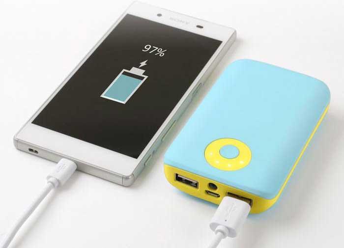 バッテリーの減りが気になる人はモバイルバッテリーを携帯しよう