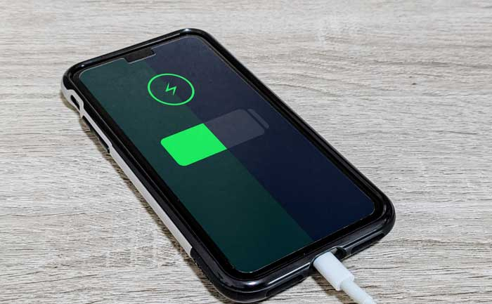 「iPhone 13」シリーズは、iPhone 12シリーズに比べて、バッテリー容量が増える